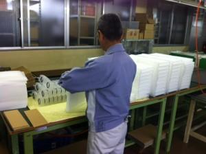 除湿機用小型樹脂熱交換器(チューブバンドル)生産